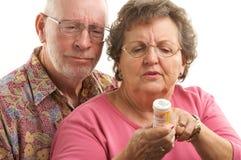 Couples et prescriptions aînés Image libre de droits