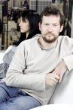 Couples fâchés tristes à la maison ne parlant pas après combat image libre de droits