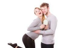 Couples gais ainsi que le modèle de bâtiment Images stock