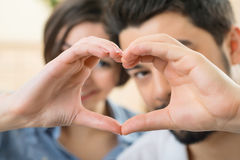 Couples gentils exprimant l'amour Image libre de droits