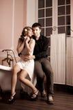 Couples heureux dans l'amour à la maison Photographie stock