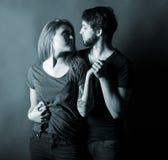 Couples heureux dans l'amour photo libre de droits