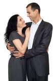 Couples heureux dans l'amour, la belle femme romantique et l'homme bel d'isolement sur le fond blanc Image stock