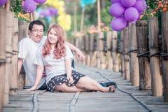 Couples heureux de l'Asie sur extérieur Images libres de droits