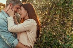 Couples heureux de mode de vie Photographie stock libre de droits