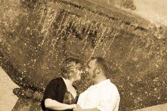 Couples heureux regardant dans des yeux Photo stock