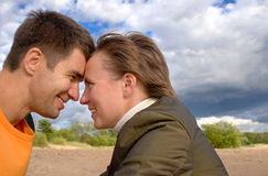 Couples heureux sur un beach-4 Images stock