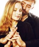 Couples, homme tendre et femme de jeunes dans l'amour d'isolement sur le blanc, FO Image libre de droits