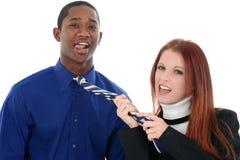 Couples interraciaux de flirt image libre de droits