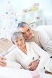 Couples joyeux Photos libres de droits
