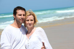 Couples à l'oceanside Images libres de droits