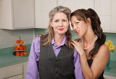 Couples lesbiens confiants Photos stock
