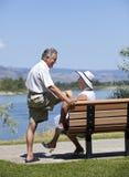 Couples mûrs à l'extérieur Photo libre de droits