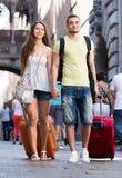 Couples marchant sur la rue Photographie stock