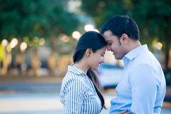 Couples mignons dans l'amour Photos libres de droits