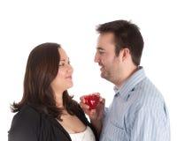 Couples neuf engagés Image stock