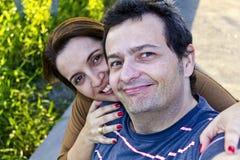 Couples non domestiques à la maison Selfie Photos stock