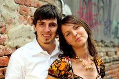 Couples occasionnels dans l'amour images stock