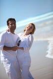 Couples par la mer Photographie stock