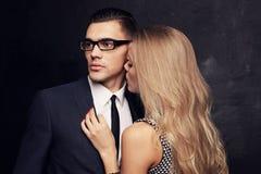 Couples passionnés sexy, histoire d'amour de bureau Photo libre de droits