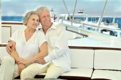 Couples pluss âgé d'une manière amusante Photos stock