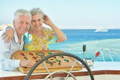 Couples pluss âgé d'une manière amusante Image stock