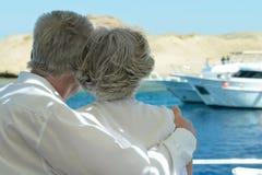Couples pluss âgé d'une manière amusante Images stock