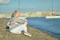 Couples pluss âgé d'une manière amusante Photographie stock