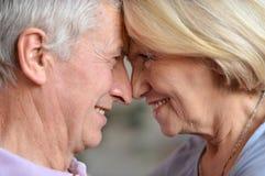 Couples pluss âgé dans la chambre Image libre de droits