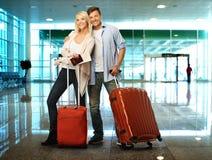 Couples prêts à voyager Photo libre de droits