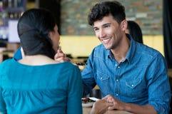 Couples prenant le déjeuner Photo libre de droits
