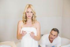 Couples résultats d'essai de attente de grossesse Photo libre de droits