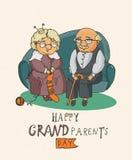 Couples retirés heureux Jour heureux de grands-parents Photos libres de droits