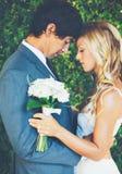 Couples romantiques de mariage Images libres de droits
