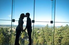 Couples romantiques en silhouette Images libres de droits