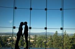 Couples romantiques en silhouette Photos libres de droits