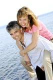 Couples romantiques mûrs photo libre de droits