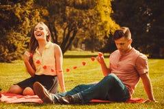 Couples romantiques passant le temps ensemble Images libres de droits