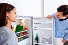 Couples sains de réfrigérateur Images stock