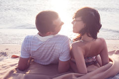 Couples se couchant Photographie stock