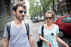 Couples se réveillant dans la rue Photo libre de droits