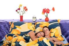 Couples, sommeil de chambre à coucher Images libres de droits