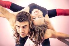 Couples sportifs prenant le selfie Image libre de droits