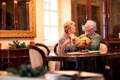 Couples supérieurs à la maison de repos Photographie stock libre de droits