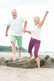 Couples supérieurs actifs photo libre de droits