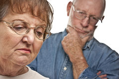 Couples supérieurs dans un argument photographie stock libre de droits