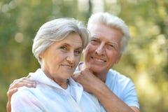 Couples supérieurs en été Photographie stock libre de droits