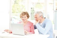Couples supérieurs heureux Image libre de droits