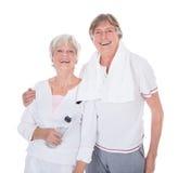 Couples supérieurs sains heureux Photographie stock libre de droits