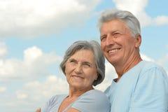 Couples supérieurs sur un fond de ciel Photo libre de droits
